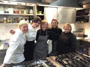 lady-chefs-kuhinja