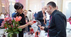 pink-day-festival-vino