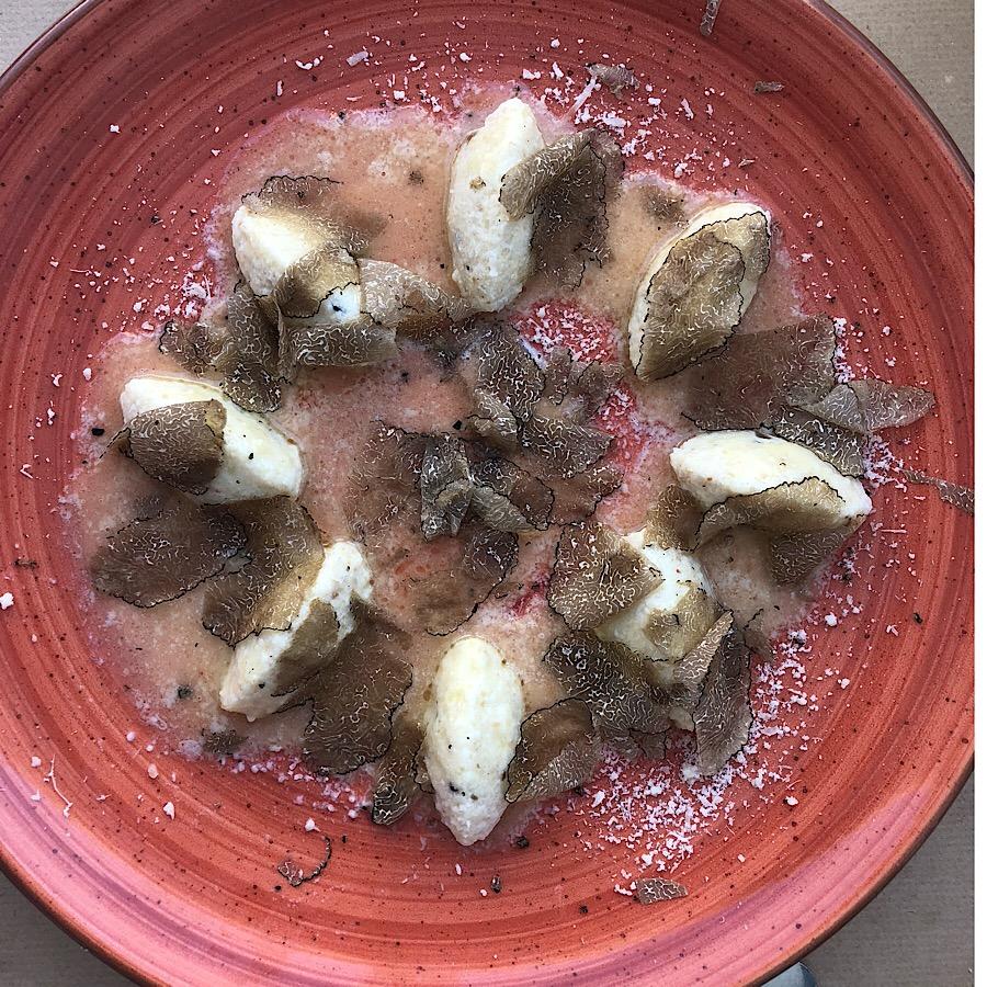 bora-bar-njoki-tartufi