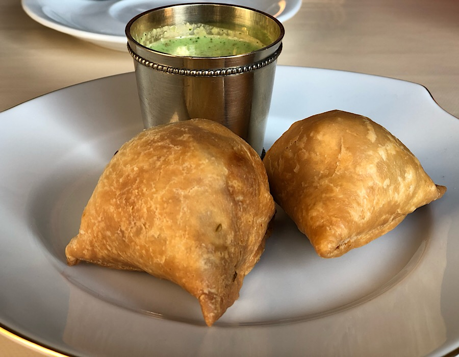 himalayan-curry-samosa
