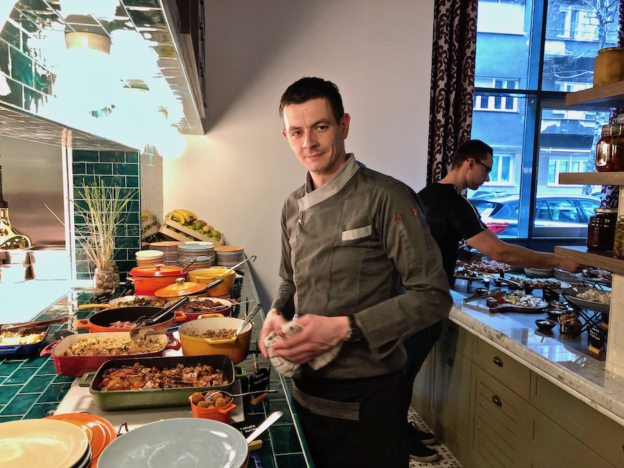 canopy-brunch-chef