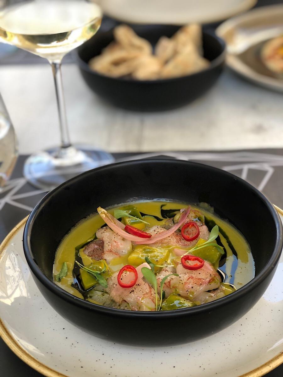 https://plavakamenica.hr/2019/04/17/el-toro-street-food-bas-je-jako-dobar-s-uzbudljivom-i-atraktivno-prezentiranom-hranom-za-nevelik-novac/