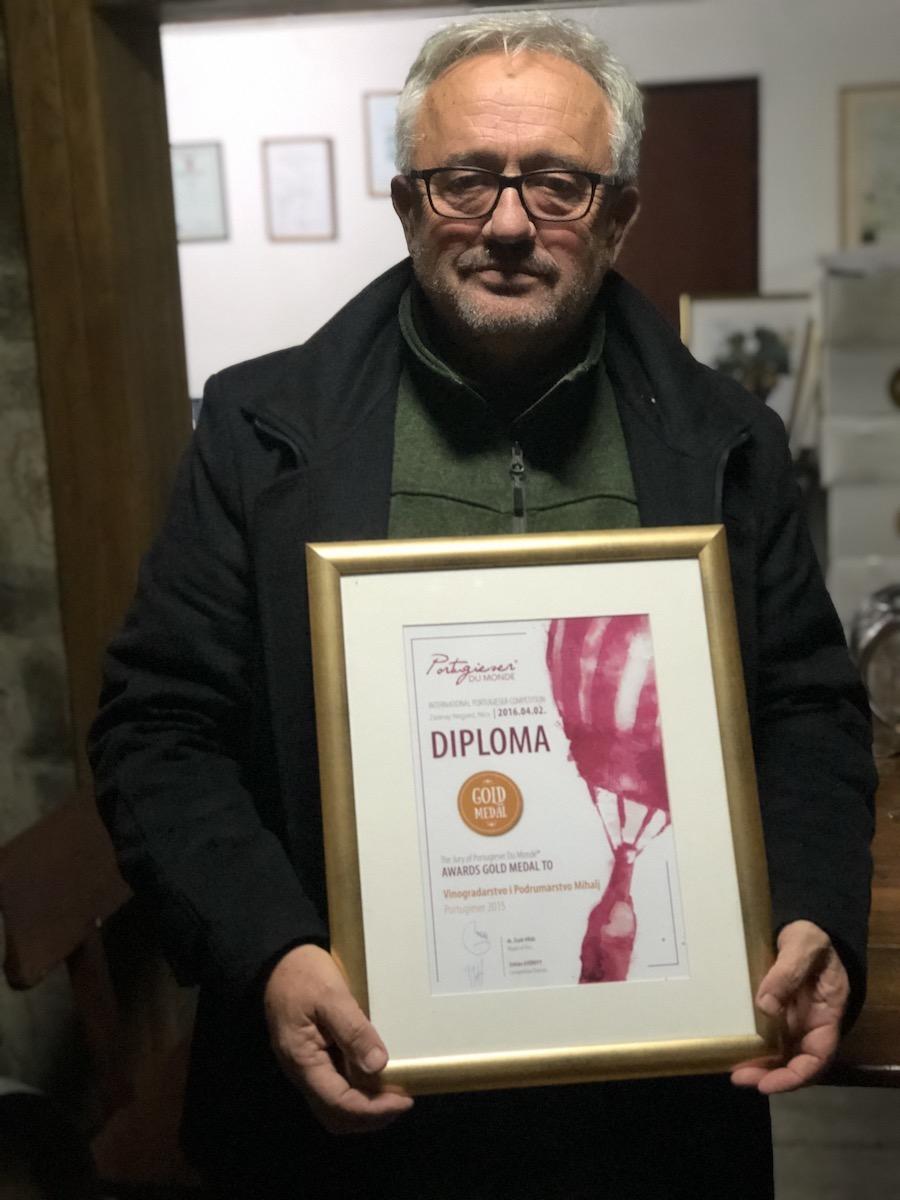 mihalj-diploma
