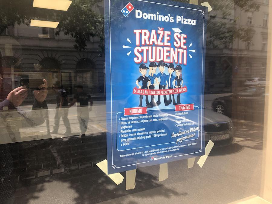 dominos-poster
