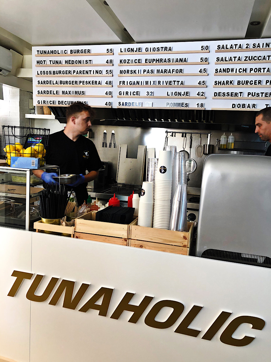 tunaholic-pult