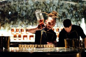 bar-barmen-galaxy-dubaj